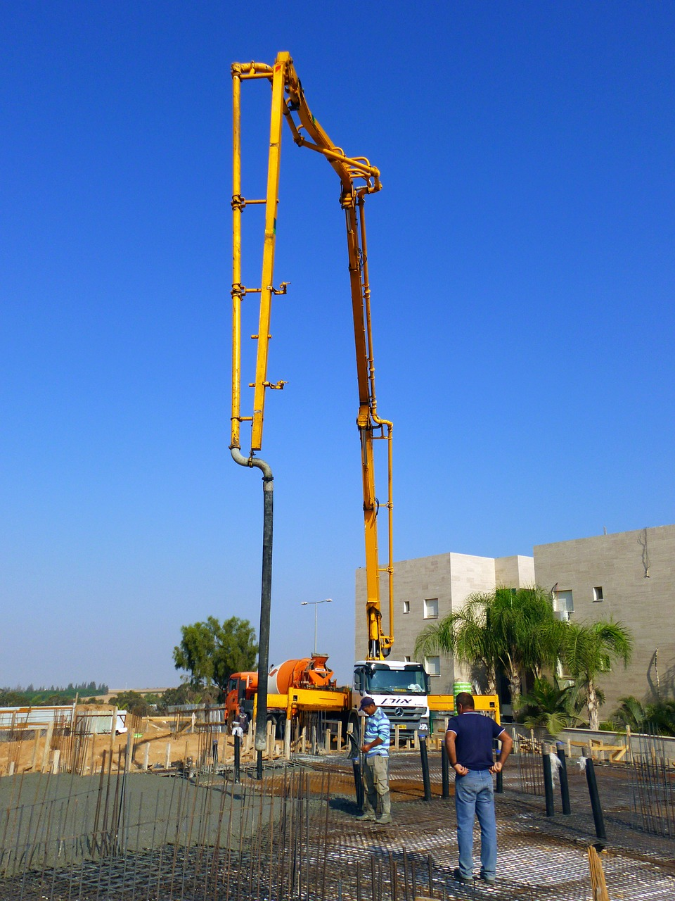 concrete pump hire